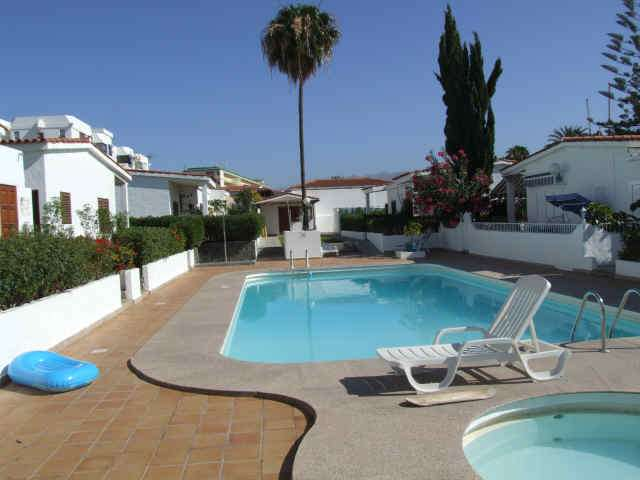 Luxury 2 bedrooomed bungalow, 5 mins from the Yumbo centre in Playa del Ingles Gran Canaria